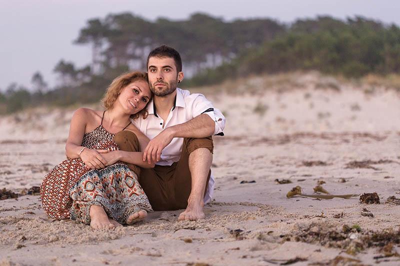 sesion de pareja con amor en la playa