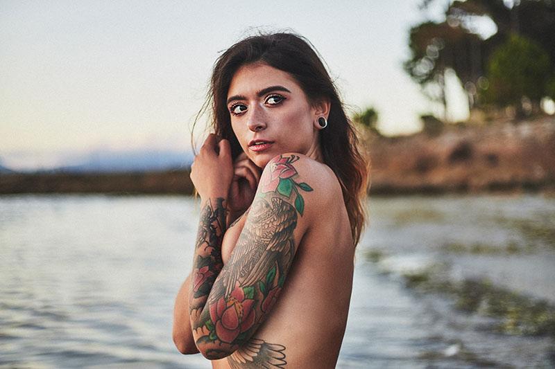 footgrafia de chica en el mar